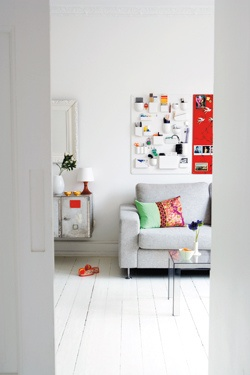 vitra 39 s utensilo. Black Bedroom Furniture Sets. Home Design Ideas