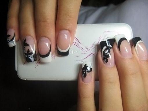 Маникюр с белыми ногтями