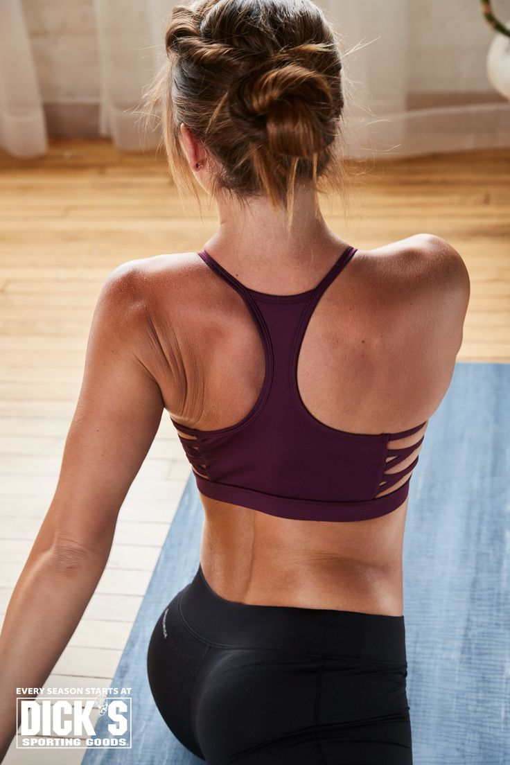 oakley strappy strength sports bra