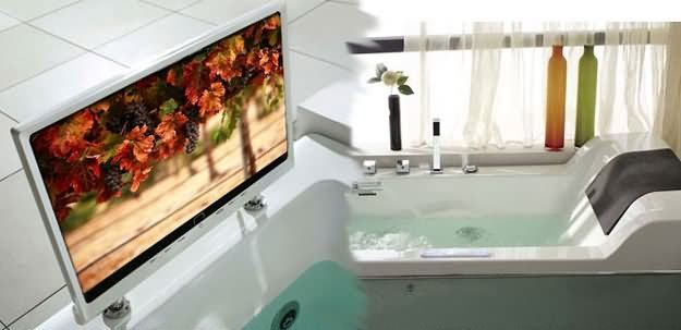 A Bathtub  DI Vapor's Cosmo B-DV003 Bathtub  $7,000