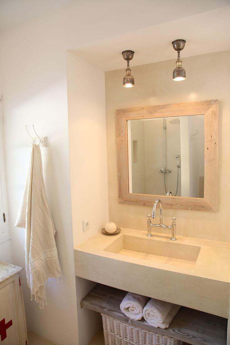 Stilvoll eingerichtetes Badezimmer | Barefoot Living by Til Schweiger #bad #spiegel