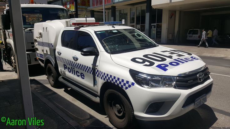 https://flic.kr/p/Z8VVsG | Western Australia Police | Toyota Hilux Paddy Wagon GE106 General Duties police vehicle. Perth CBD, WA