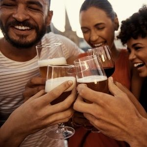 Heavy drinking can harm the ageing brain