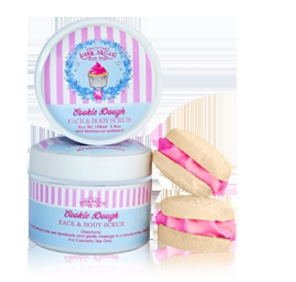 Cookie Dough Face & Body Scrub is an exfoliant that can be used from head to toe! This also makes a great lip & foot scrub. Made with natural ingredients such as macadamia nut oil, walnut shell & kaolin clay.