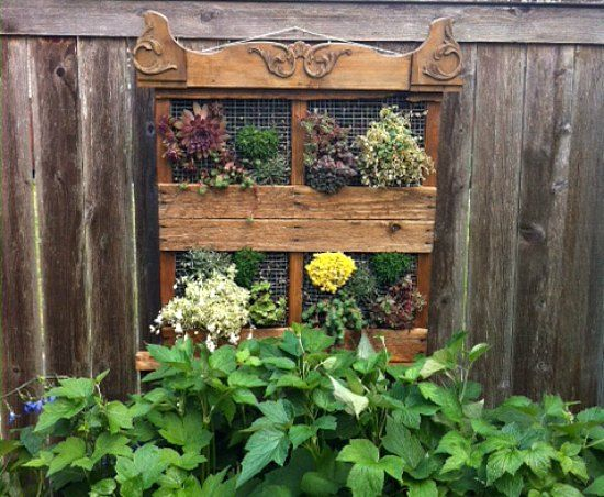Cool Wood Pallet Garden Idea