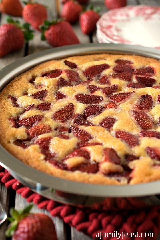 Strawberry Torte - A simple dessert made with fresh strawberries (or ...