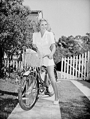 Sportwear in 1941 featured square shoulders and flared shorts.