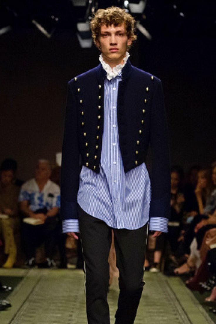 バーバリーが「See Now, Buy Now」を現実に──ショー終了直後にコレクションを販売  http://gqjapan.jp/fashion/news/20160929/burberry-september-collection-2016#pages/85