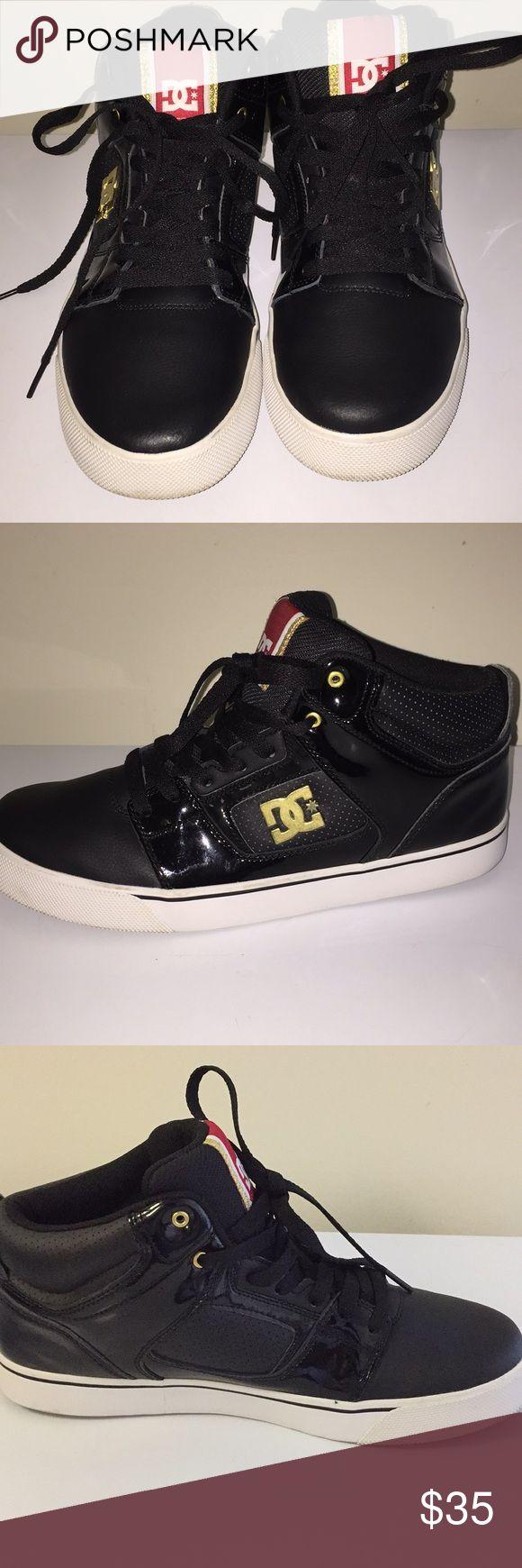 DC Sneakers Very Gently worn Men's Sneakers DC Shoes Sneakers