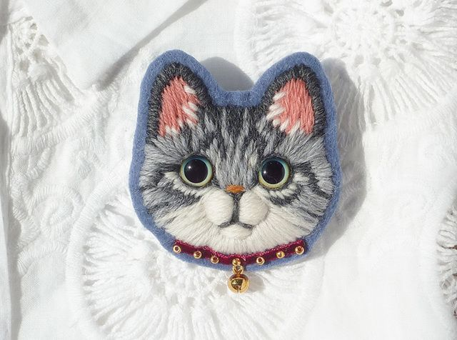 Sabatra cat's wool embroidery brooch