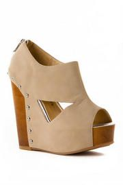 Chinese Laundry Shoes, Jam Session Studded Wedge in Beige