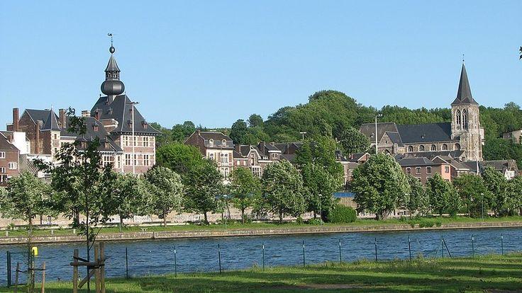 Petite ville où j'aime aller prendre un verre avec mes amis...Vise, Liege