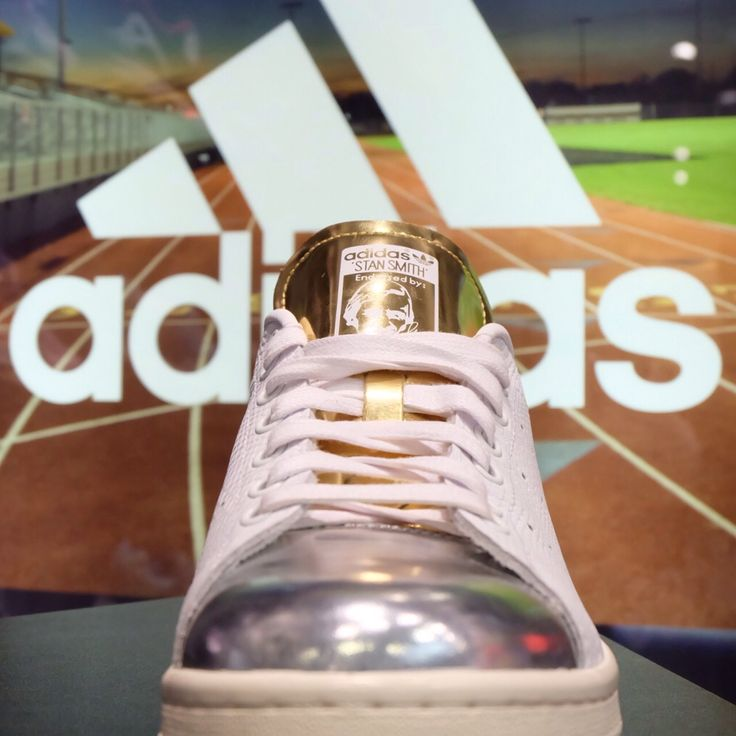 Adidas Stan Smith series has return. You can get this sneaker at Planet Sport, TSM 1st Floor