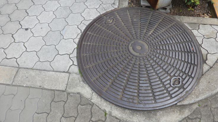 Even this manhole caught my eye, I love the use of line.
