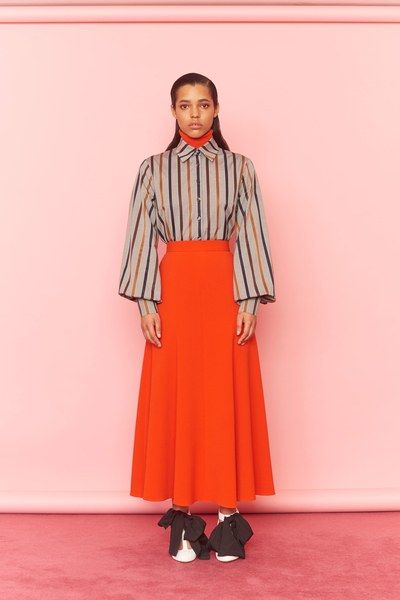 See the full Pre-Fall 2018 collection from Emilia Wickstead.