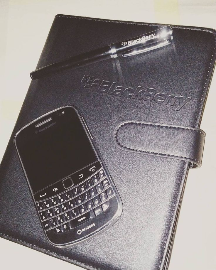 #inst10 #ReGram @tu.mi.98: #BlackBerry #9900 #Roger #Pen  #BlackBerryClubs #BlackBerryPhotos #BBer #RIM #QWERTY #Keyboard #OldBlackBerry #BlackBerryBold #Bold