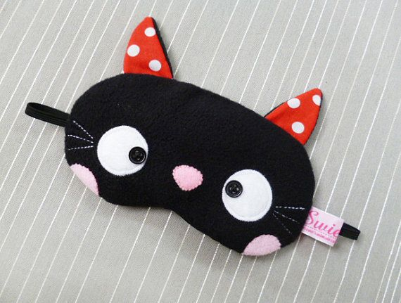 Preto adorável gatinho Kawaii Máscara do sono os olhos - Todo mundo precisa de seu sono de beleza! (Se só para a nossa sanidade.) -  /   Adorable Black Kitty Kawaii Sleeping Eye Mask  - Everyone needs their beauty sleep! (If only for our sanity.) -