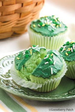 Gooseberry Patch Recipes  Emerald Isle Cupcakes from 101 Cupcake, Cookie & Brownie Recipes Cookbook