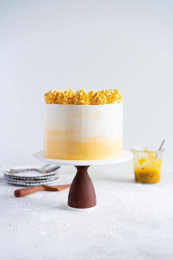 Vanille Torte mit Passionsfruchtquark und Vanille Schweizer Baiser Buttercreme …   – Backen: Kuchen / all about cake