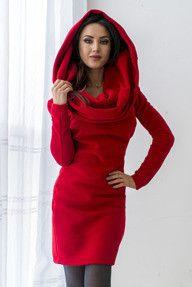 Ocieplana czerwona sukienka na zimę