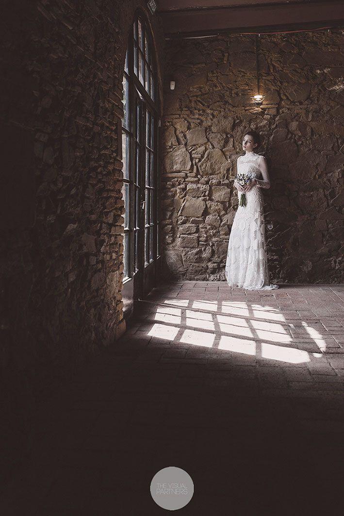 """""""Una Hupah al sol de la Toscana"""" . Una editorial idílica de Simchaclick + THE VISUAL PARTNERS con los vestidos de novia de YolanCris"""