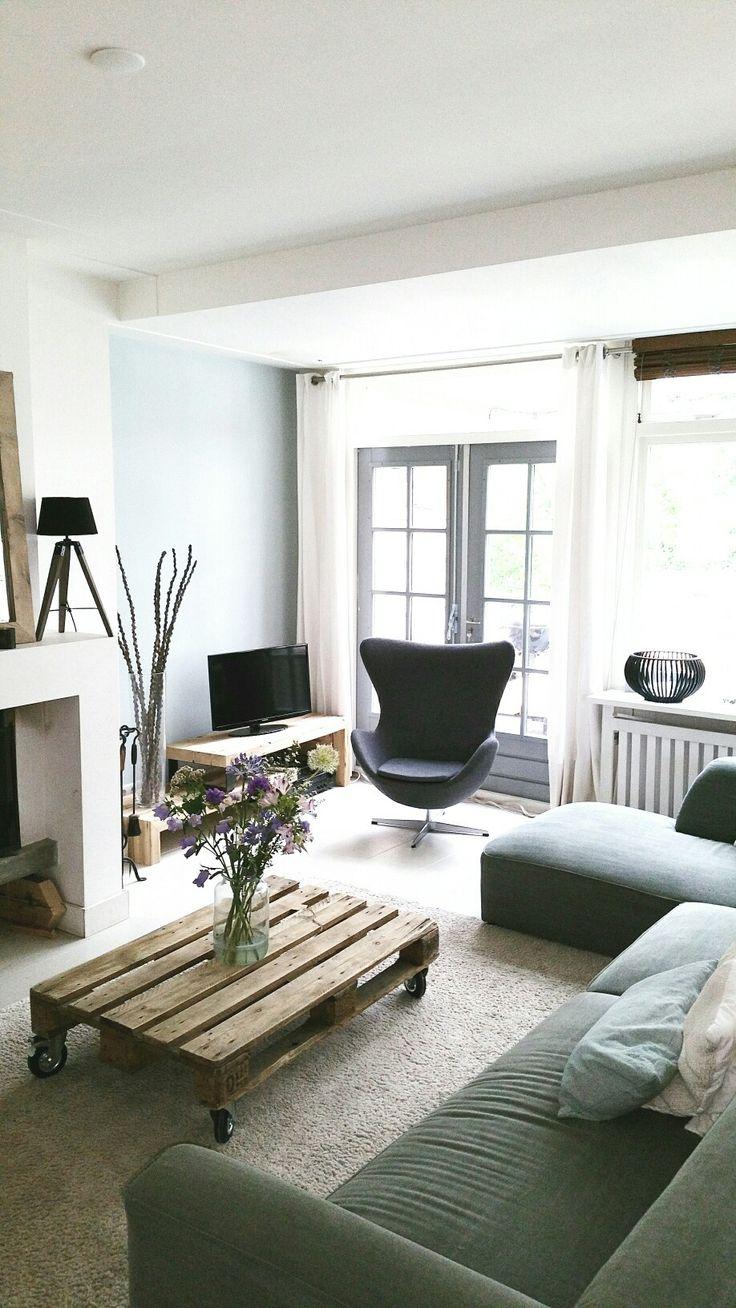 Mooi . Strak en warm. Met salontafel en Tv-meubel van De Betoverde Zolder.