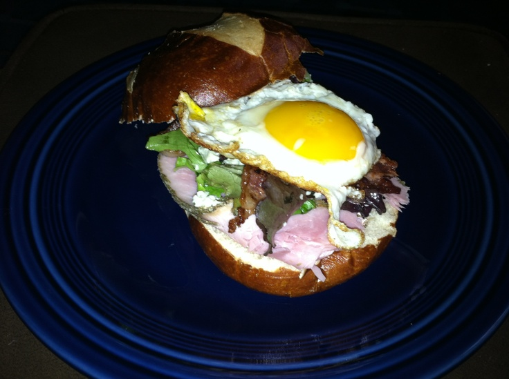 Fried Egg Sandwich With Bacon And Blue Cheese Recipe ...
