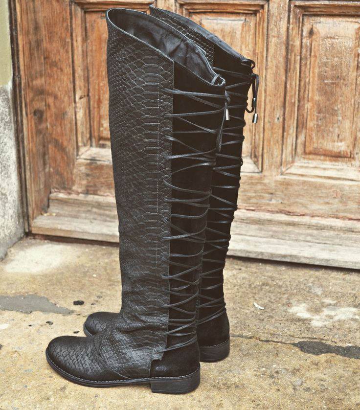 #wrapped #long #boots #the5thelementshoes #rosettishowroom #winter #musthave #black #leather