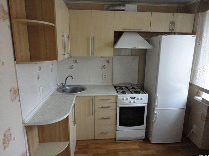 Кухни в хрущевке 5 кв м дизайн с холодильником фото