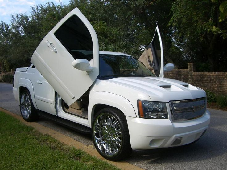 2007 CHEVROLET AVALANCHE Lot 48 | Barrett-Jackson Auction Company