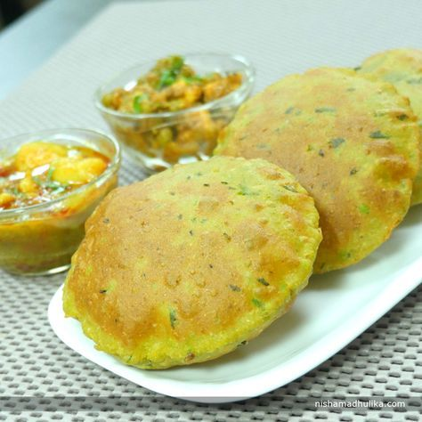 Bedmi poori is a very popular recipe in the North Indian region.   Recipe in English- http://indiangoodfood.com/2502-matar-ki-masala-puri.html (copy and paate link into browser)  Recipe in Hindi - http://nishamadhulika.com/1623-matar-ki-masala-puri.html (copy and paste link into browser)