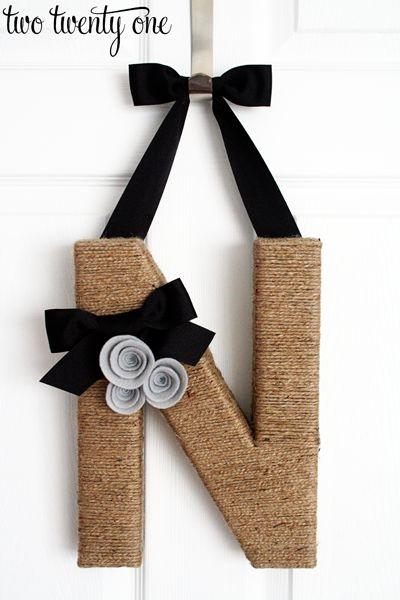 House warming gift idea - how to make monogram wreath