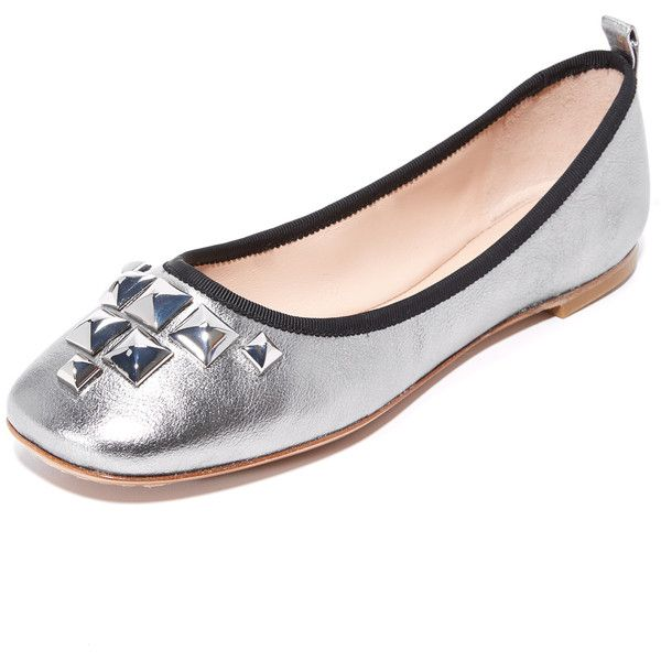 Marc Jacobs Cleo Studded Ballerina Flats ($180) ❤ liked on Polyvore featuring shoes, flats, dark silver, leather ballerina flats, leather shoes, metallic ballet flats, ballet shoes and studded flats