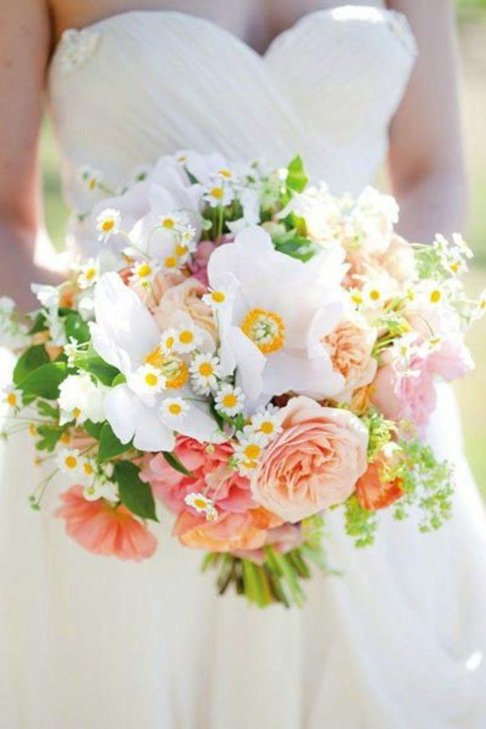 bouquet mariée original avec beaucoup de fleurs