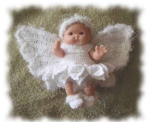 Crochet Pattern for 5 inch Berenguer Snow Fairy by alcarrico32. Crochet pattern to buy.
