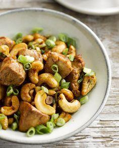 Wok van kip met cashewnoten en lente-ui #15gram  https://gezondvoorstel.com