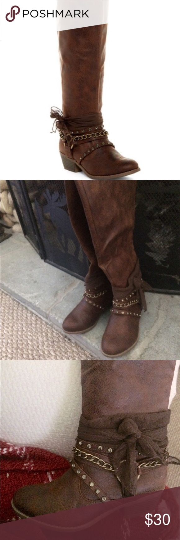"🐴 🤠 THE CUTEST NOT RATED BRAND BROWN BOOTS! THE DETAIL ON THESE BOOTS ARE SO CUTE! THEY ARE PLEATHER BUT LOOK LIKE LEATHER. BRAND NEW IN BOX NEVER WORN 2"" HEEL. SUPER COMFY!  I WEAR A 7 AND THESE ARE JUST RIGHT WITH A THICK SOCK.  VERY COMFY! ☀️ Not Rated Shoes"
