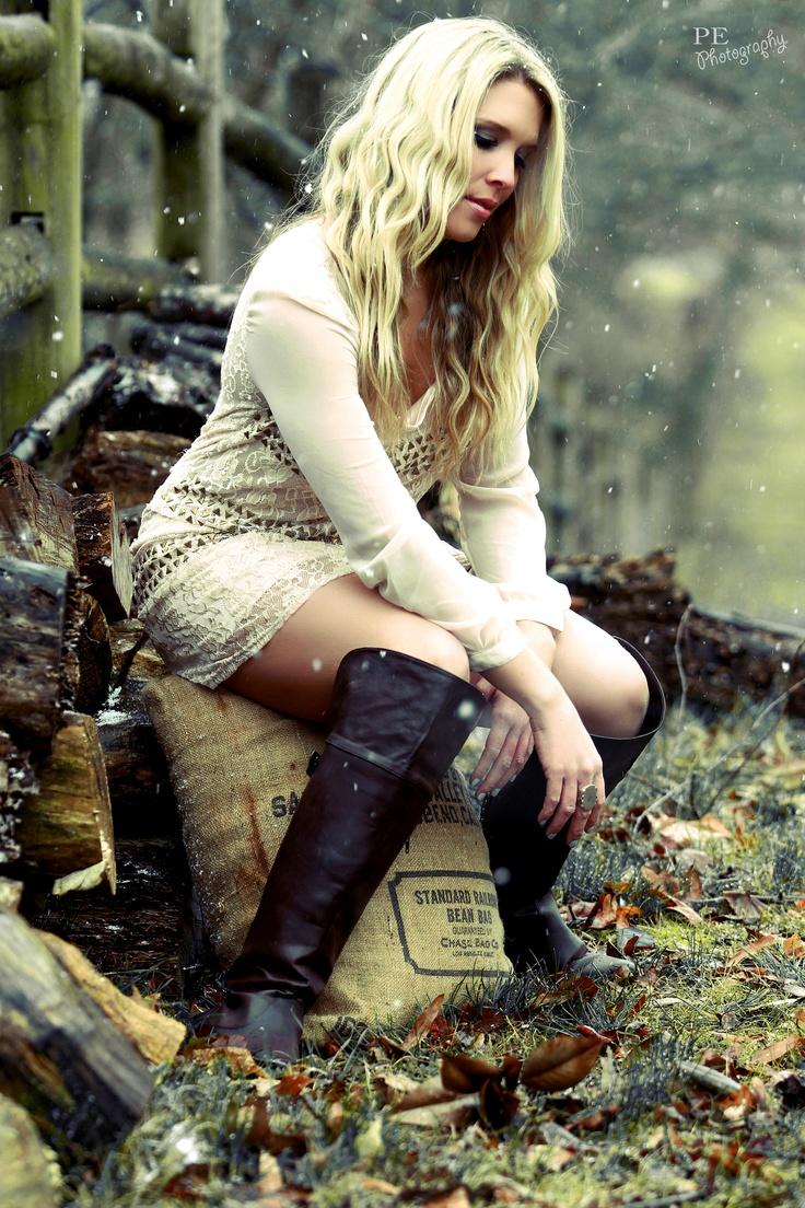 #KellieLynne #Nashville #TN #AllenManus #AltardState #LaceDress #Burlap #Barn #Farm #Rustic http://www.kellielynne.org