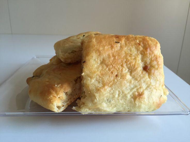 Focaccia con pancetta e rosmarino (ricetta lievitata) | Un Avvocato ai Fornelli