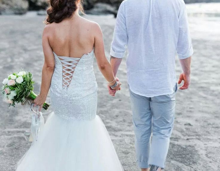 DRESSING FOR YOUR DESTINATION WEDDING