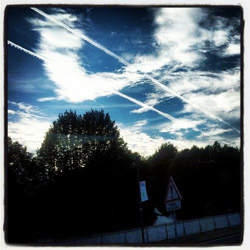 Tram céleste. Le T2 s'arrête parc de St Cloud pour travaux. Basta. (Pris avec Instagram) Aoû 16, 2012 8:10 pm