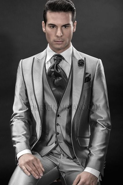 Fashion Style One Button Silver Gray Groom Tuxedos Men s Wedding Prom Suits  Bridegroom Free Shipping (Jacket+Pants+Vest) ea1434cdf323