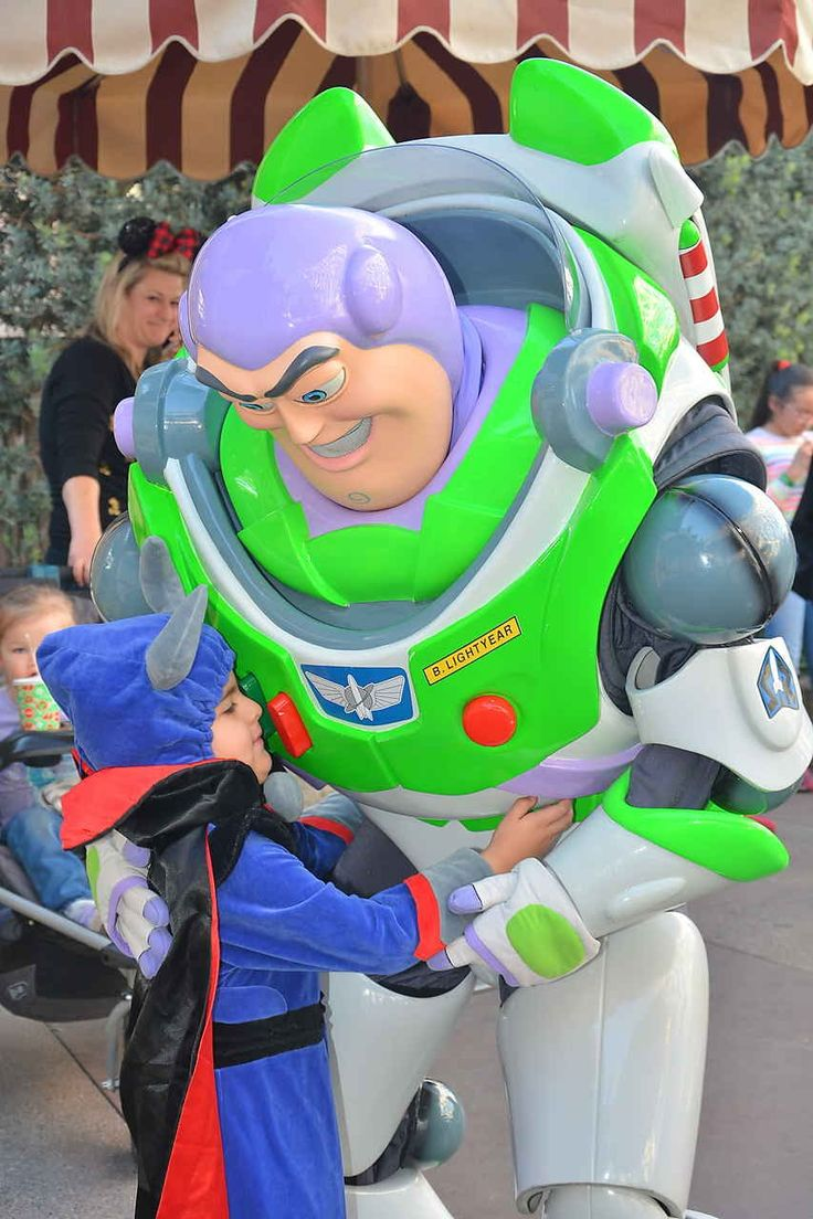 Emperor Zurg   #Disneyland #Disney #disneycaliforniaadventure #dca #disneycaadventure #disneygram #disneyside #abc7holiday #disneyparks #kidgram #disneyboy #disneykid #disneyinsta  #kidofinstagram #boyofinstagram #mickeymouse #disneylandgram #abc7eyewitness #mkmfridayflipagram #visitanaheim #brandrep #kids #pixar #toystory #zurg #disneycosplay  #disneycostume #kidcosplay #boycostume  #disneylandwithkids