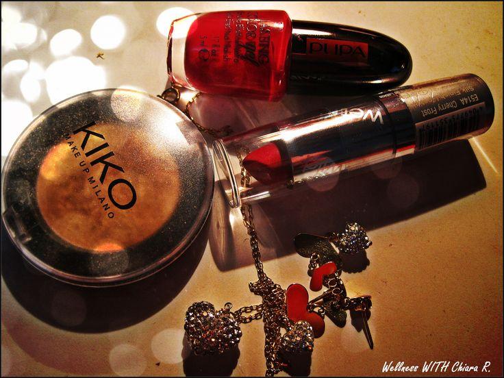 Per l'Ultima serata dell'Anno, dettagli in oro e rosso...che mi porti bene?