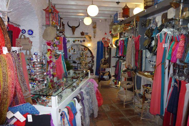 Decoracion de tienda de ropa de mujer peque o buscar con google decoraci n de tienda - Tiendas de decoracion de casa ...