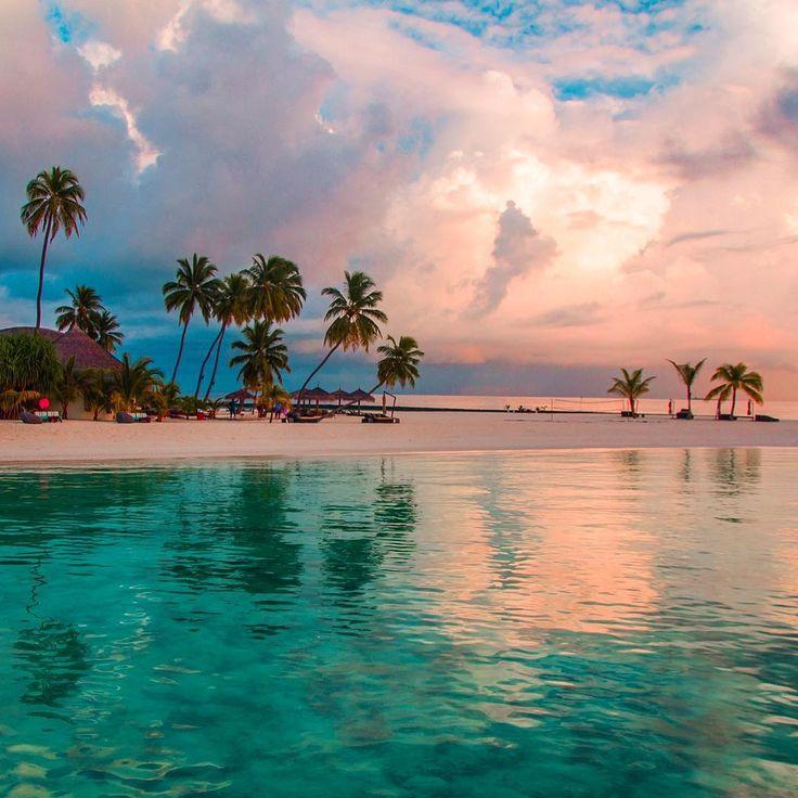 "18.8k Likes, 156 Comments - Hatice Korkmaz THE COLOR QUEEN (@kardinalmelon) on Instagram: ""İyi geceler good nite #maldives"""