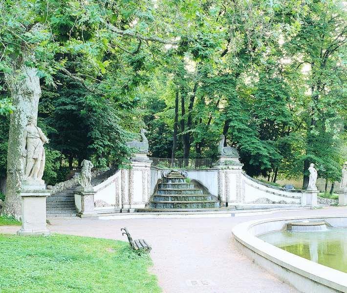 Palazzo Arese Borromeo, fontana, Cesano Maderno (Monza)