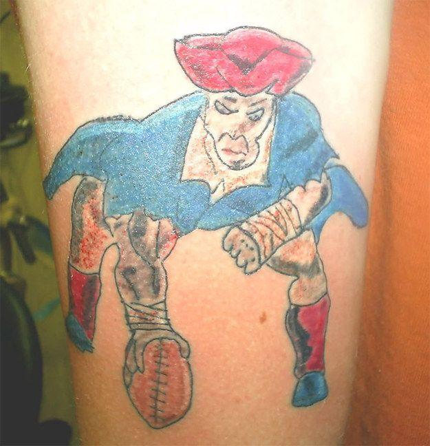 El fanático de los Patriotas con el peor tatuaje del mundo: | 32 Personas que harán que te sientas mejor con tus elecciones de vida