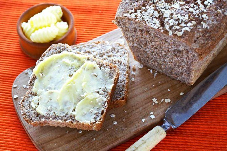 Som navnet antyder, er dette et godt norsk grovbrød. Et flott brød å ha i matpakken. Og det er vel ingenting som slår en skive nybakt grovbrød med et tykt lag meierismør, og kanskje litt brunost?
