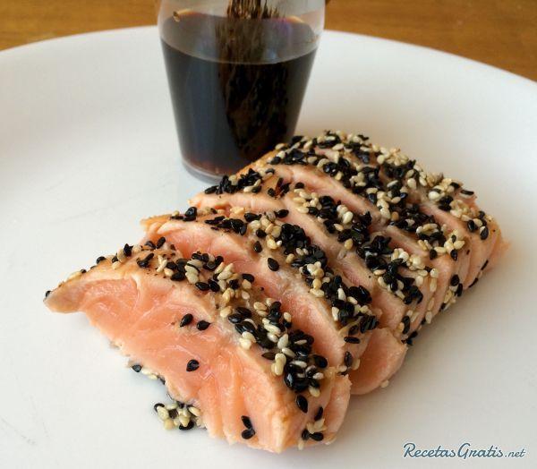 Receta de Tataki de salmón con sésamo - 6 pasos
